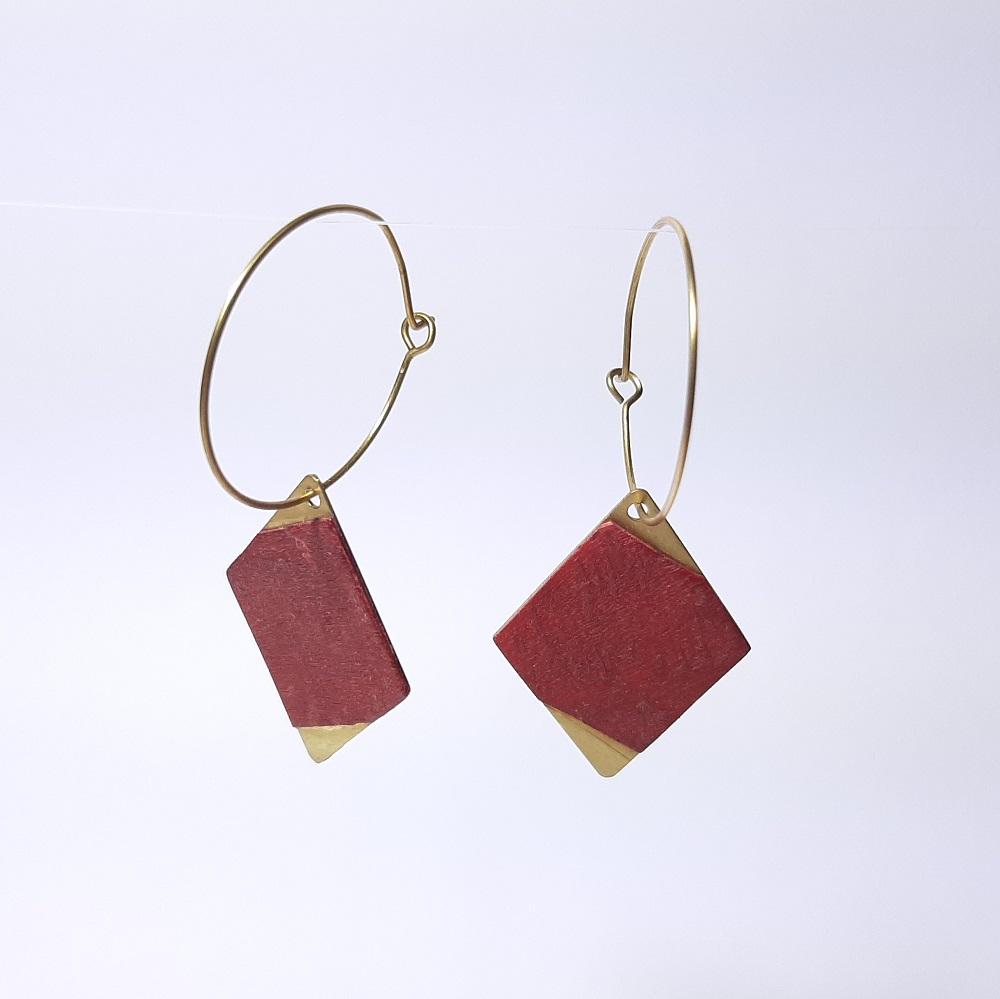 Ode – Platane maillé teinté rouge