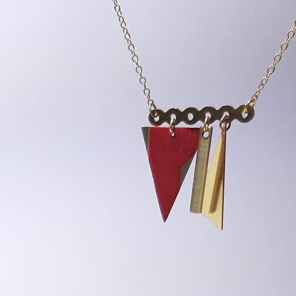 Collier Lalie – Charme teinté rouge