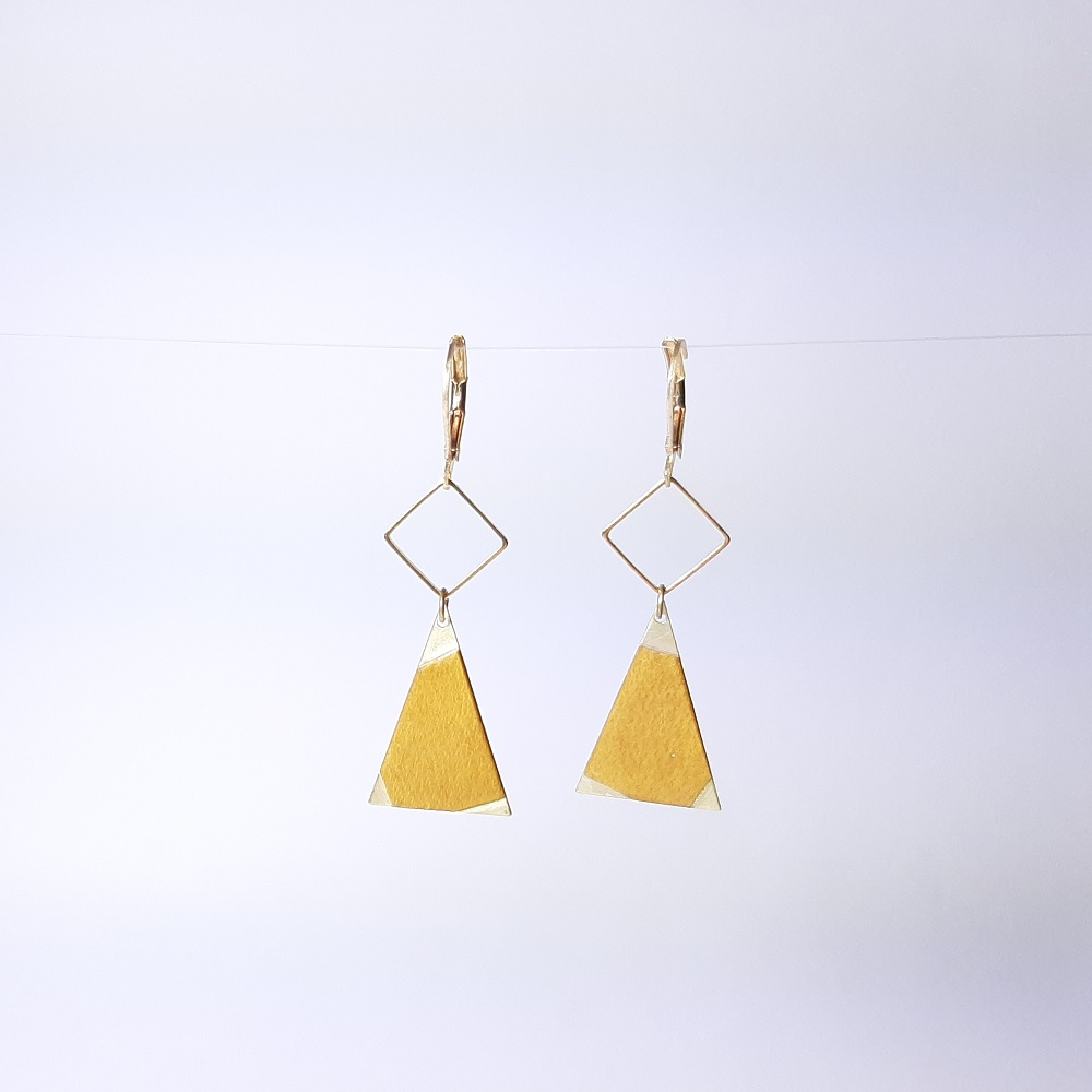 Inaya – Sycomore teinté jaune