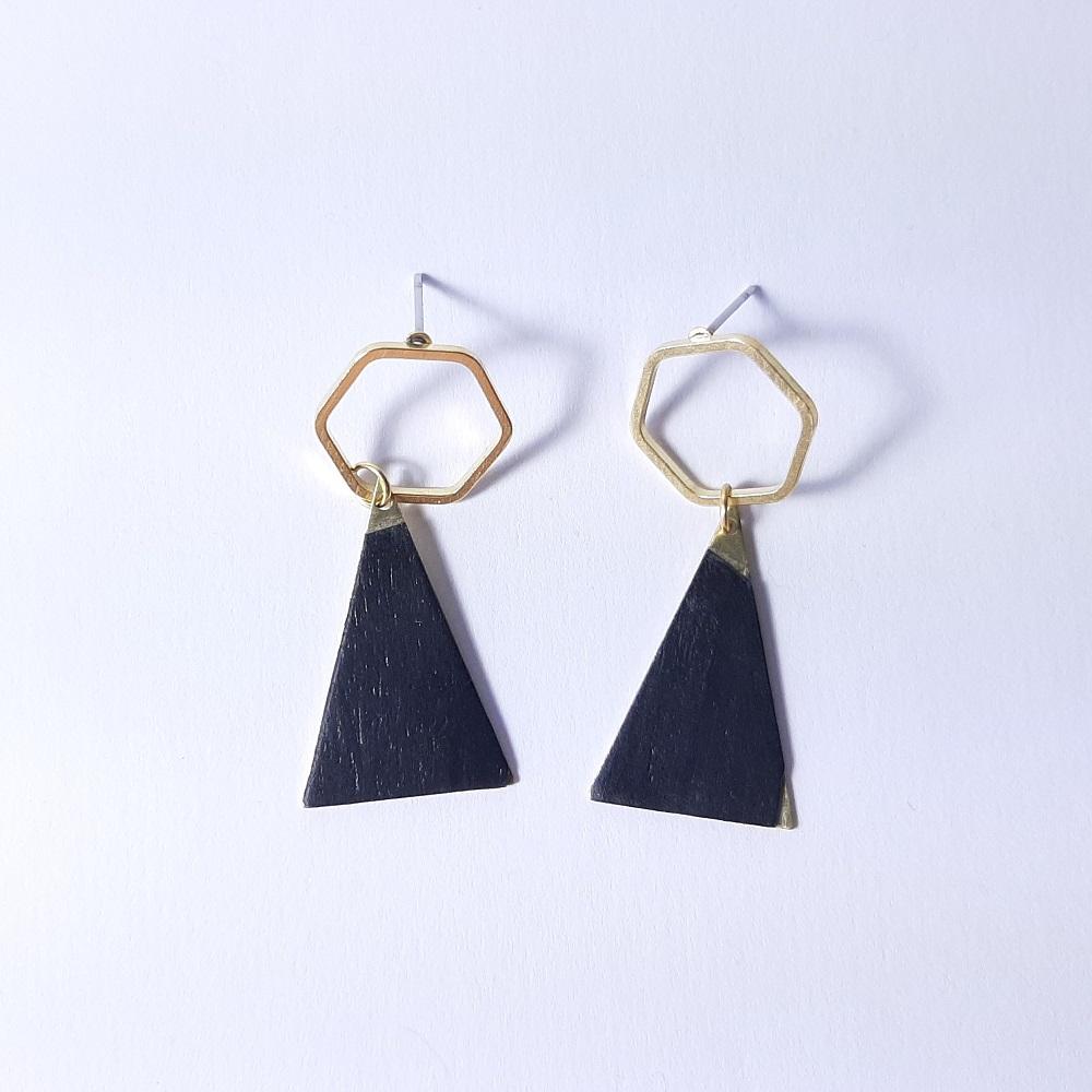 Inaya – Tulipier teinté noir