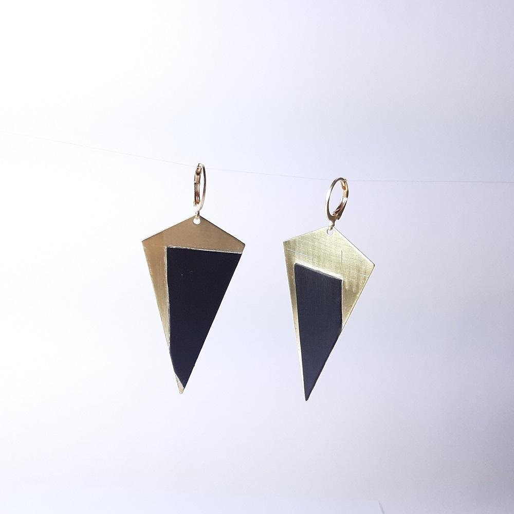 Agathe – Tulipier teinté noir