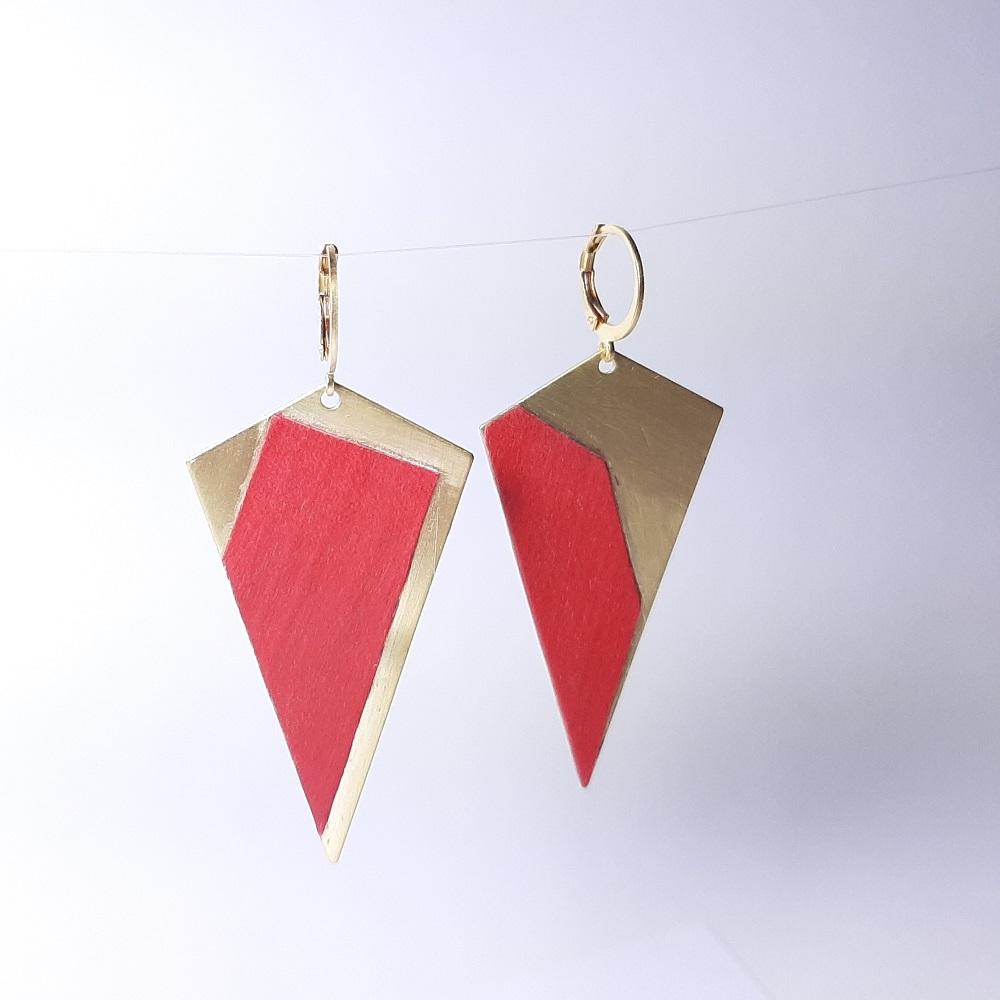 Agathe – Sycomore teinté rouge