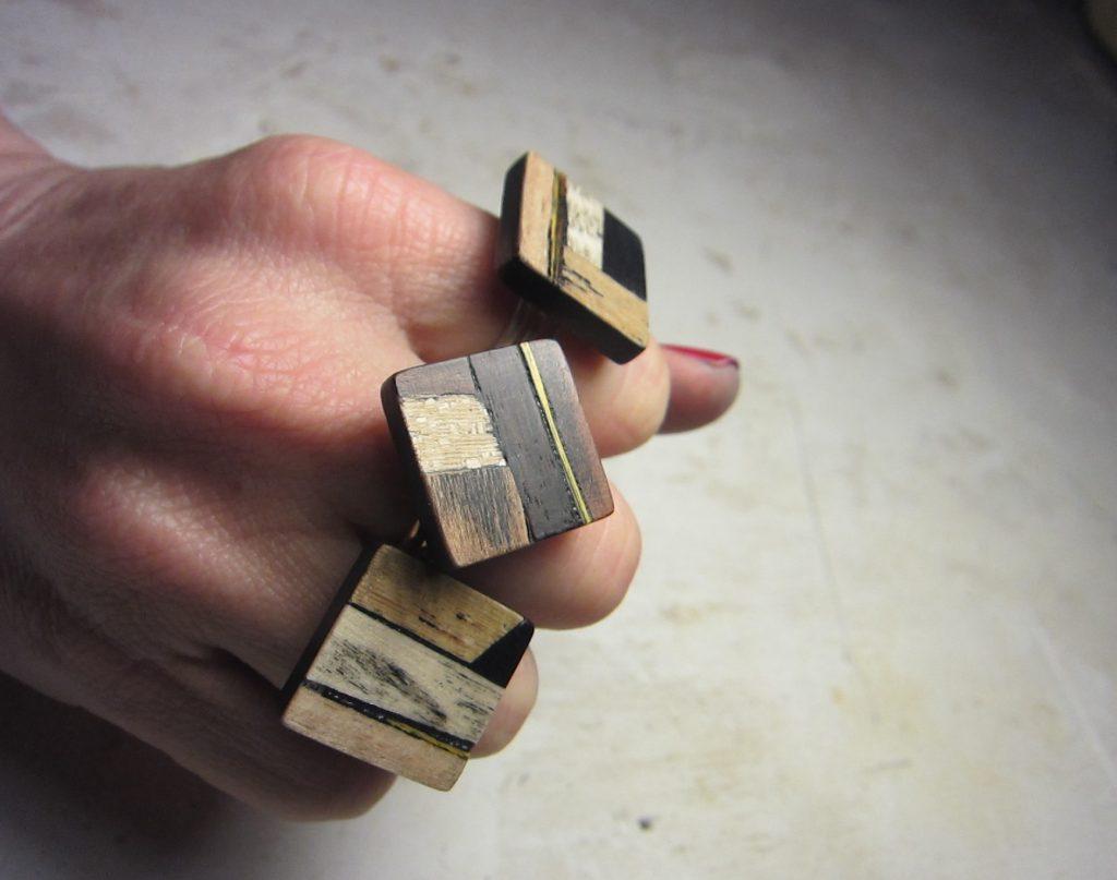 bijoux et objets en bois fabriqués dans la loire par Marie Dubois Marqueterie