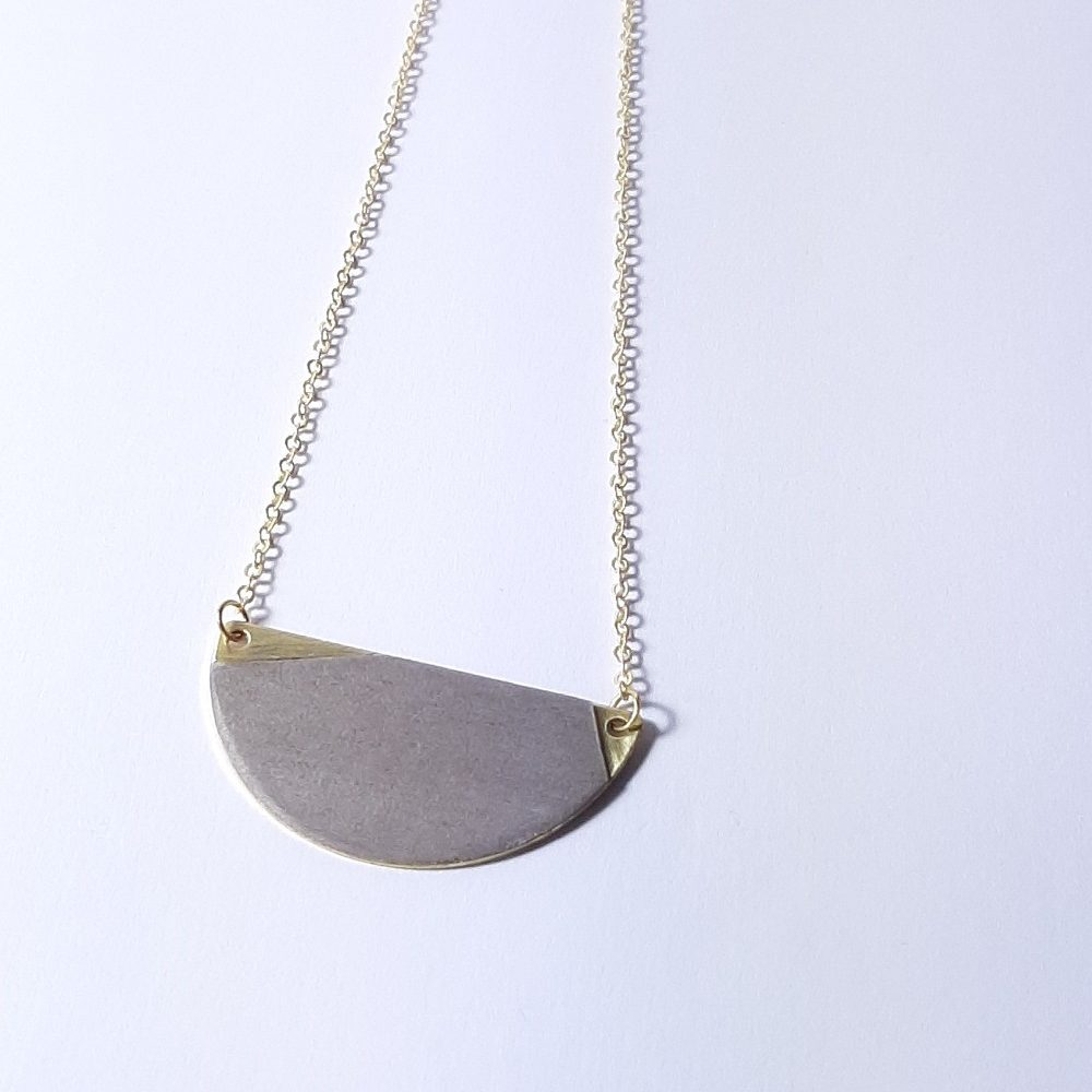 Jeanne – Tulipier teinté gris