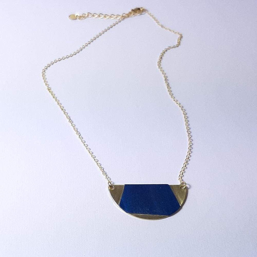 Collier Jeanne – Tulipier teinté bleu
