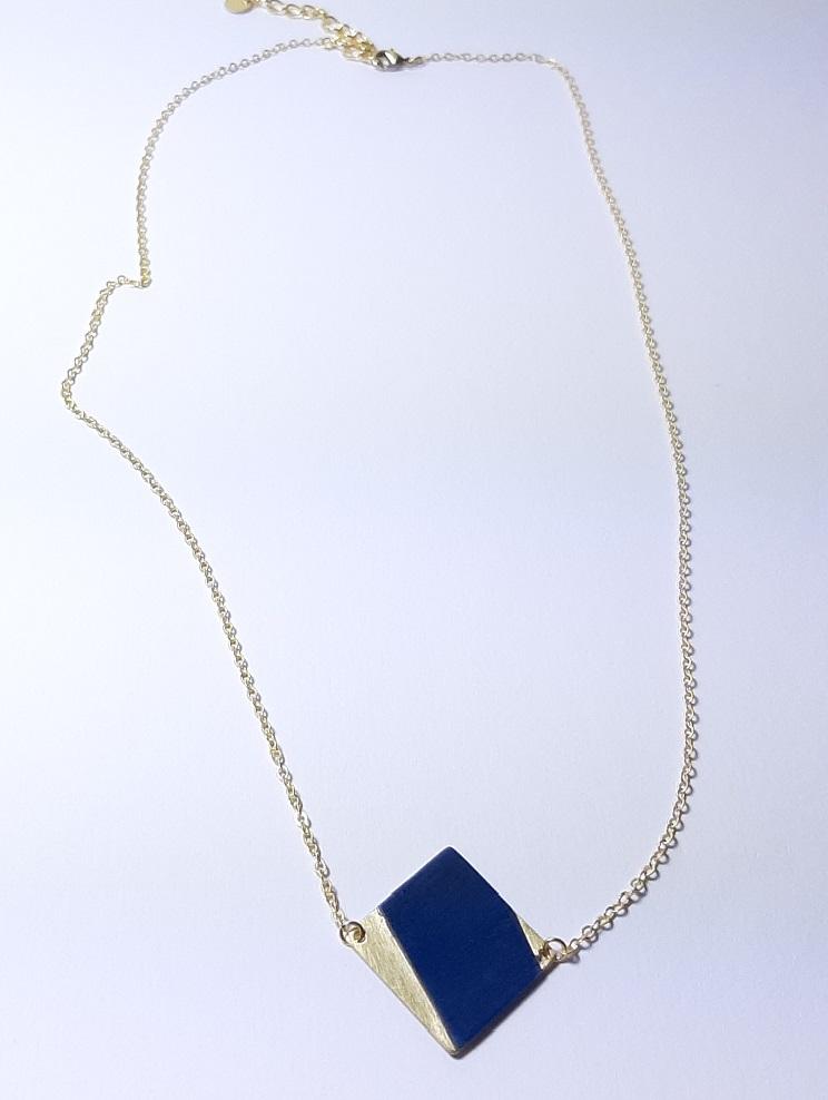 Collier en bois et laiton – Emi – Tulipier teinté bleu
