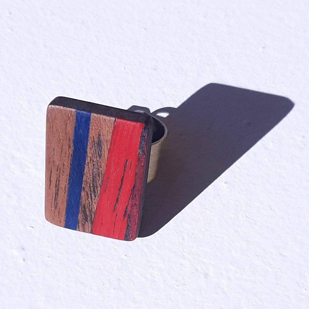 Bague en bois artisanale Marron bleu Rouge