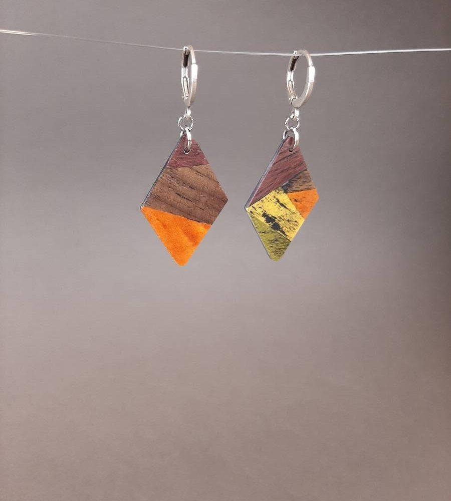 Boucles d'oreilles en amarante et bois teinté orange et jaune