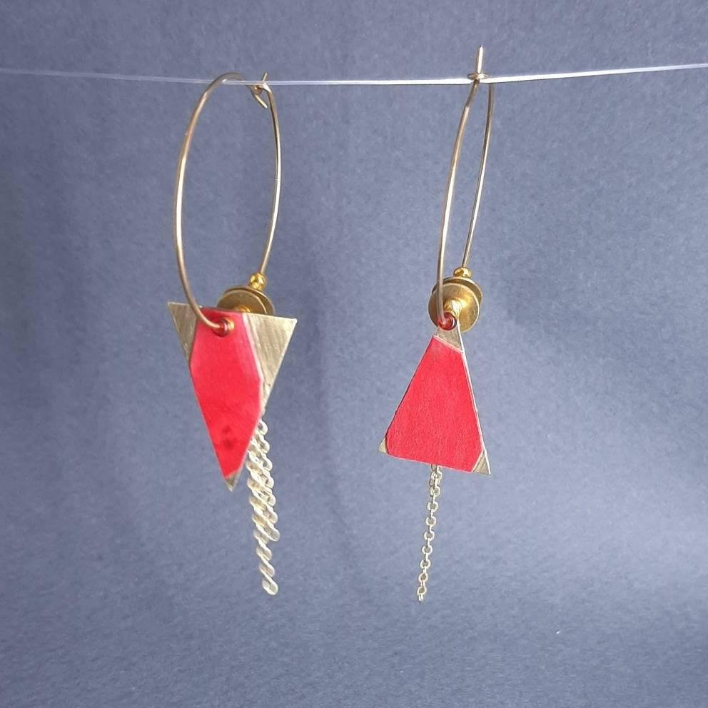 Boucles d'oreilles en laiton et perles dorés et érable moucheté rouge | collection 2021