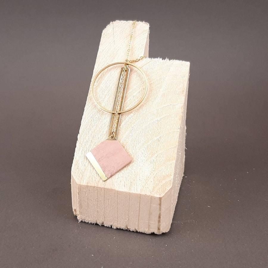Collier carré rose pastel et rond laiton