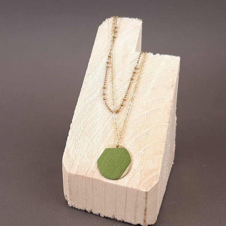 Collier petit rond vert et double chaîne en laiton doré