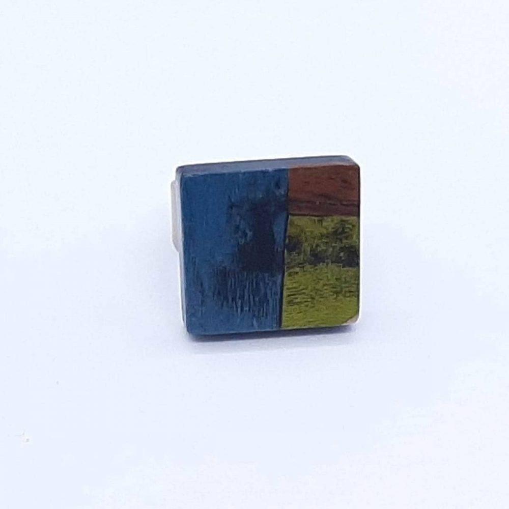 Bague en bois d'acajou et platane carré marqueterie fait main bleu, vert, marron