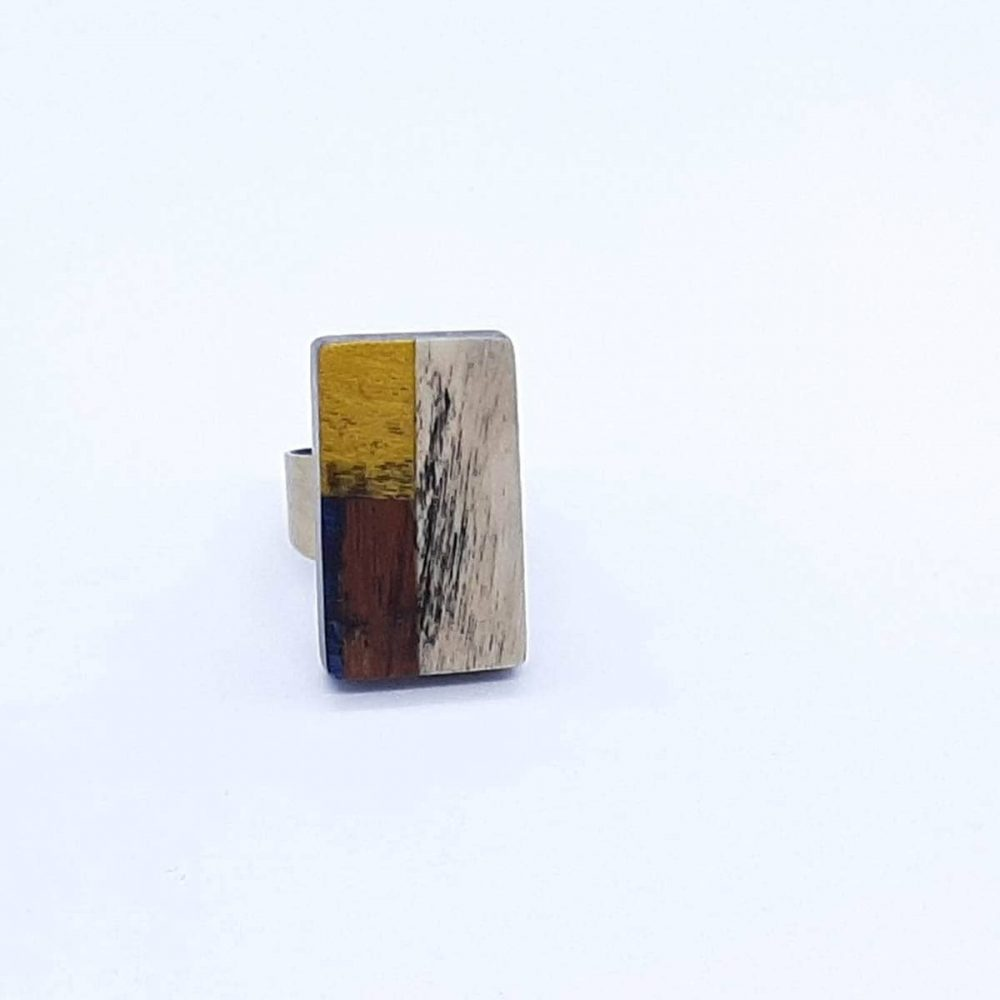 Bague en bois beige et marron fait main