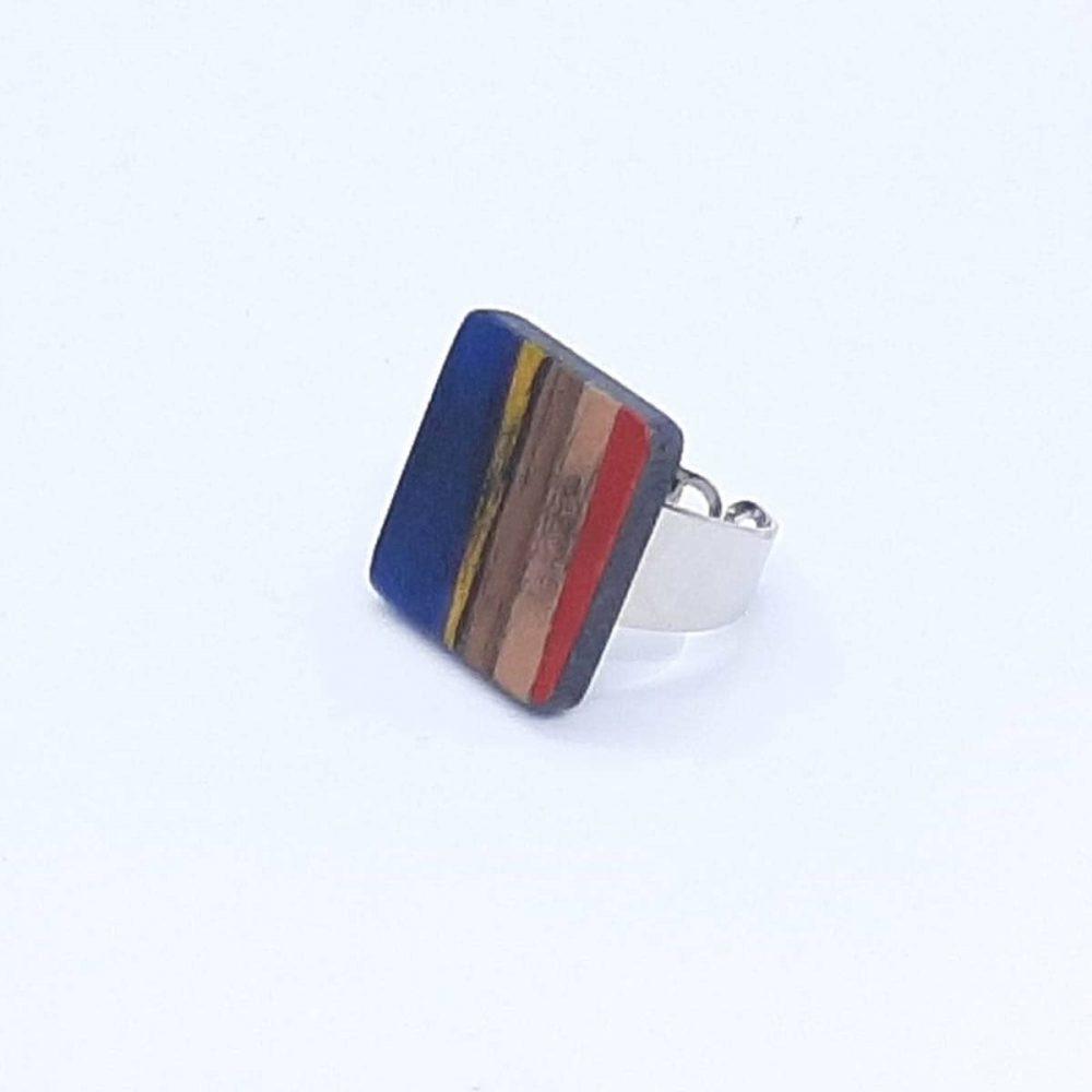 bague-bois-carré-fait-main-bleu-cuivre-rouge-jaune-profil