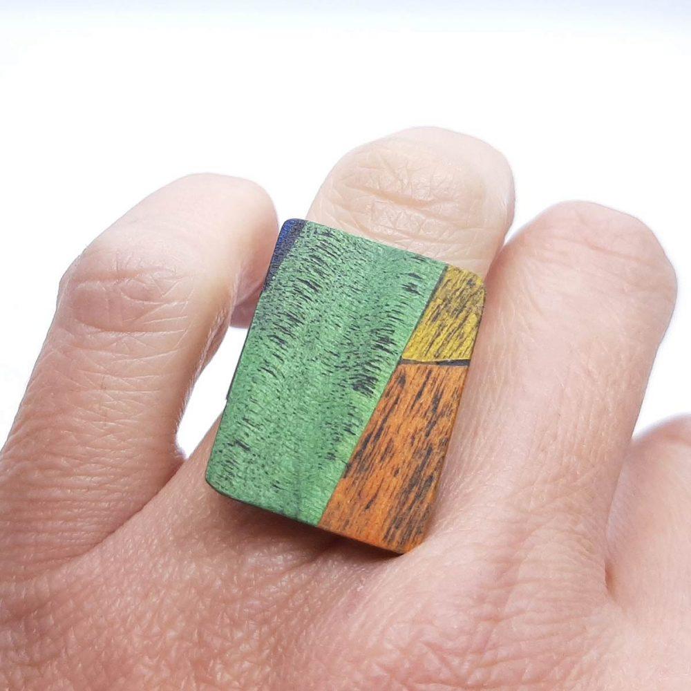 Bague en bois fait main rectangle vert et orange