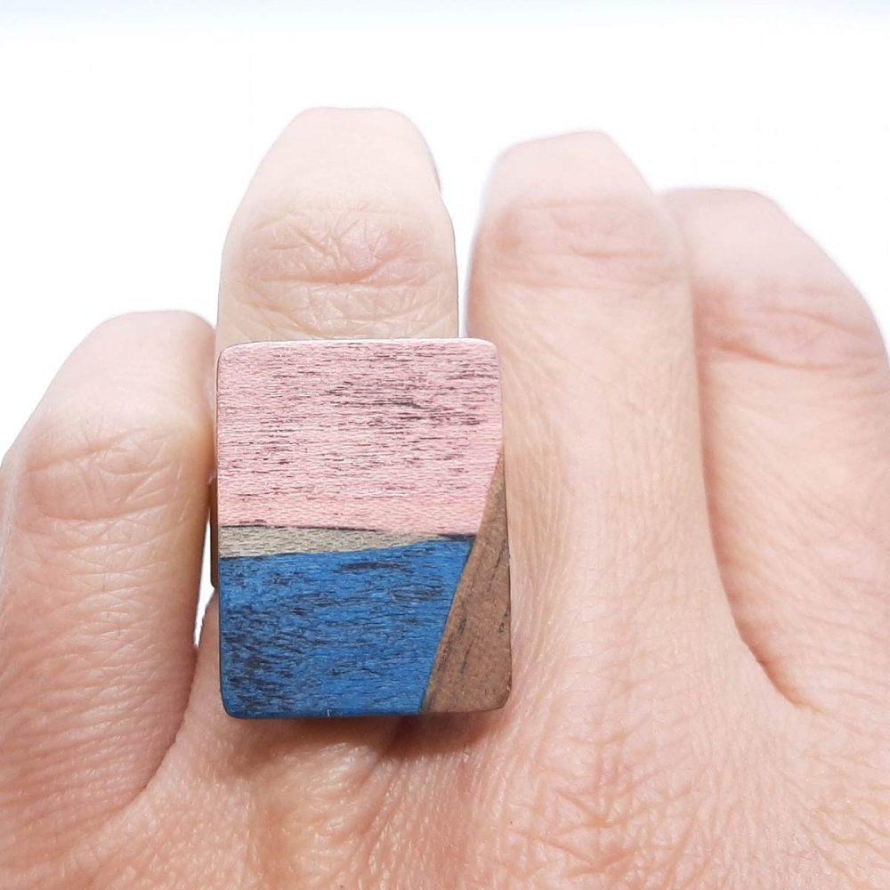Bague en bois fait main rose et bleu