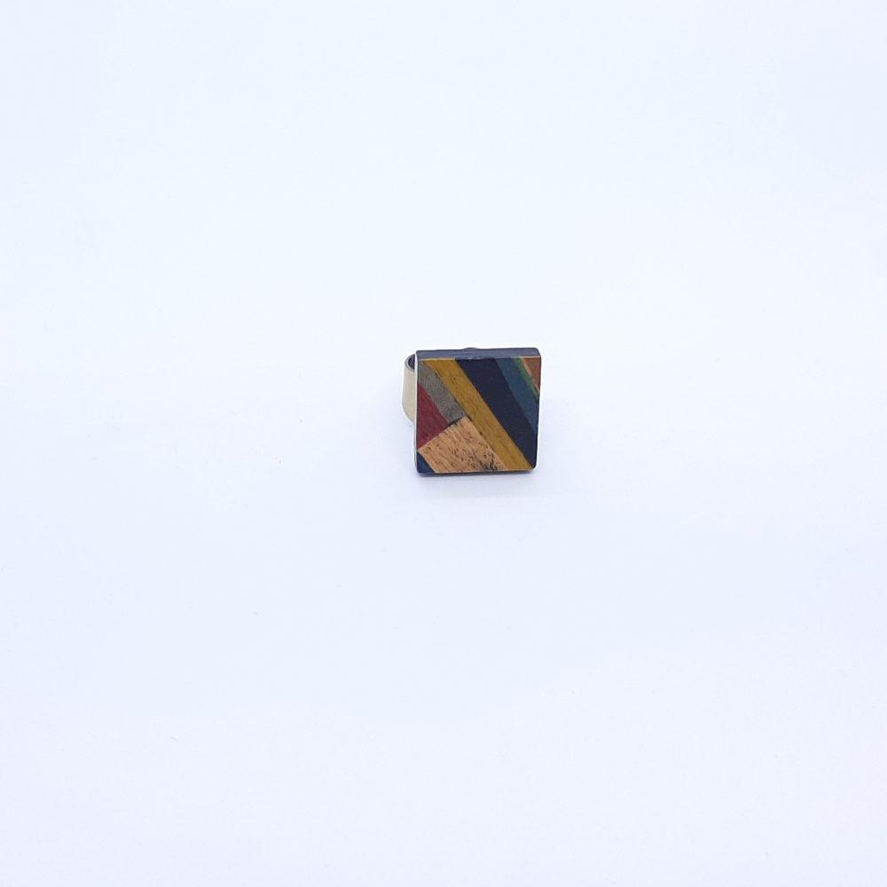 Bague en bois carré multicolore formes géométriques fait main