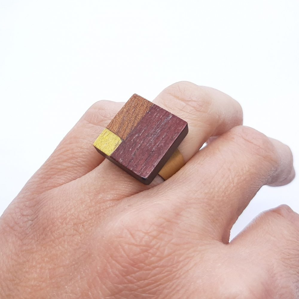 Bague en bois fait main