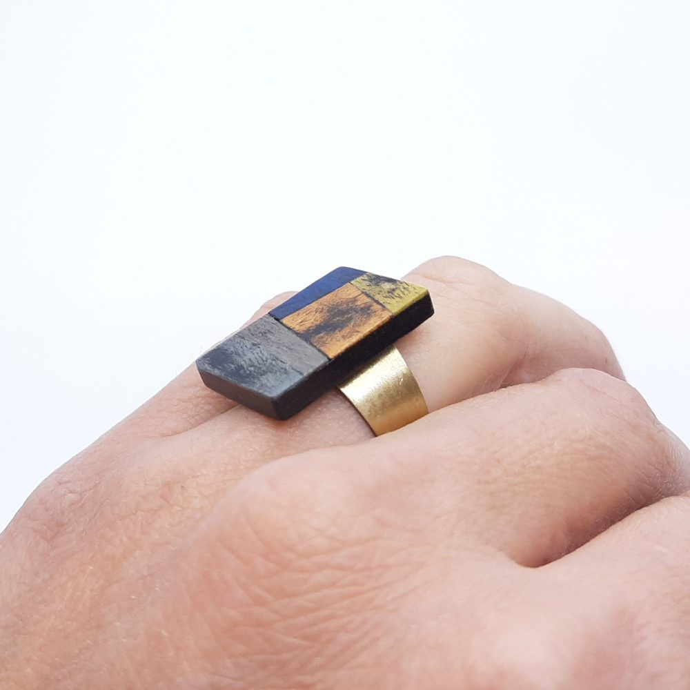 Bague en bois rectangle fait à la main