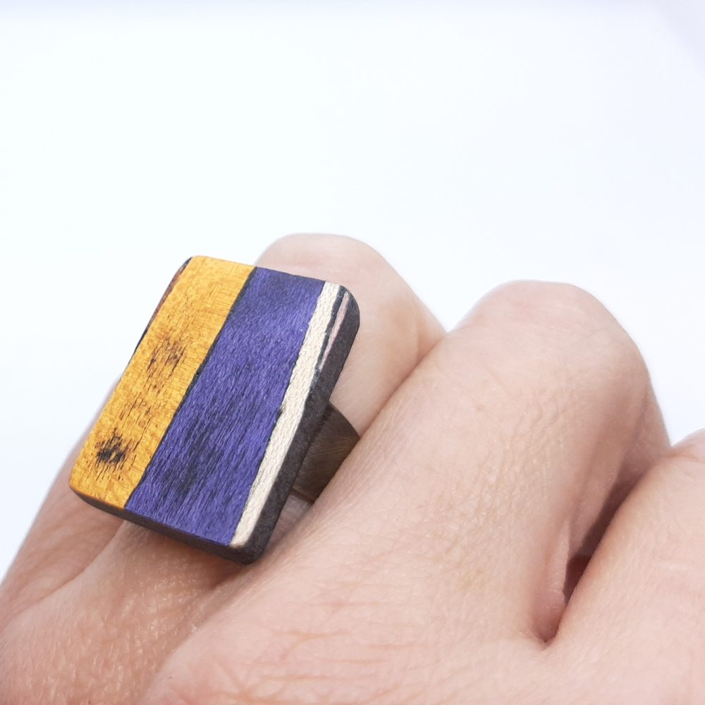 Bague en bois fait main rectangle orange et violet
