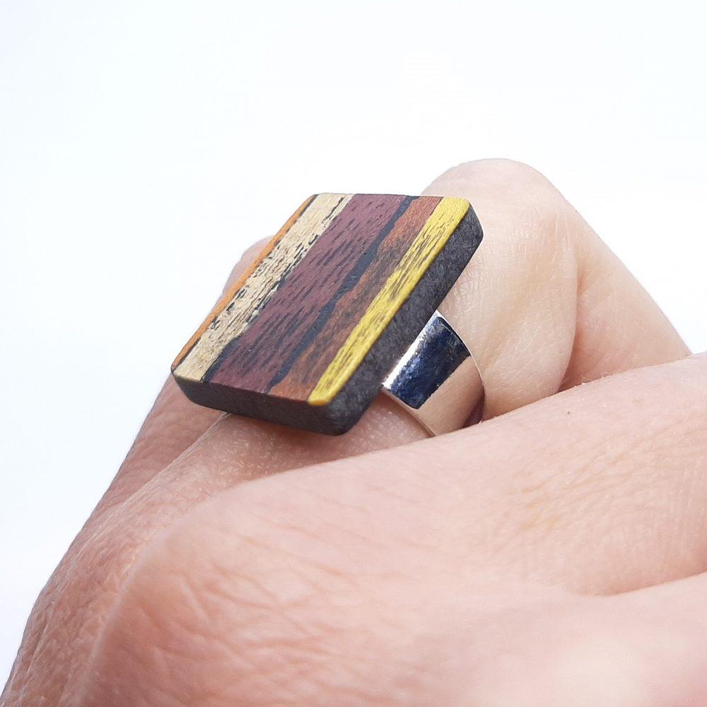 Bague en bois de Charme et Sycomore fait main
